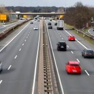 Autobahn in Deutschland: Hier waren schon vor Jahrzehnten autonom fahrende Autos unterwegs.