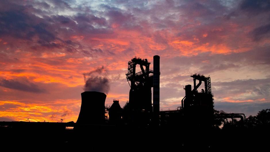 Hochöfen des ThyssenKrupp Stahlwerks Schwelgern