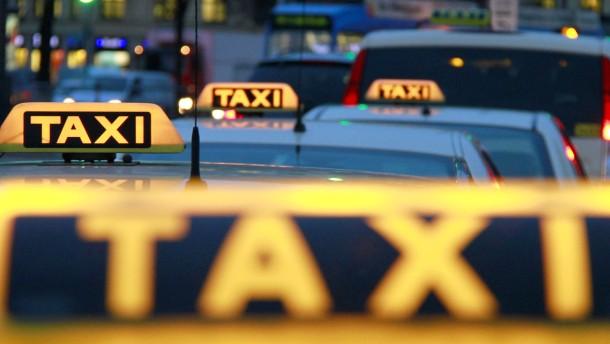 Taxiverband: Uber will nur Steuervorteile einstreichen