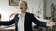 """Vorsicht Berater: Der Film """"Toni Erdmann"""" nimmt den Berufsstand der externen Problemlöser aufs Korn."""