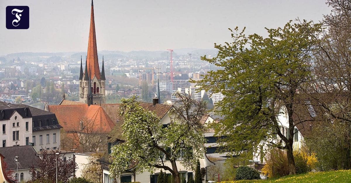 Schweizer können im Kanton Zug jetzt Steuern in Bitcoin zahlen - FAZ - Frankfurter Allgemeine Zeitung