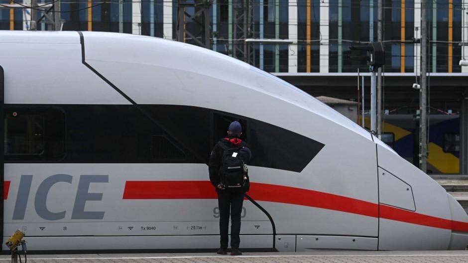 Ein ICE der Deutschen Bahn in München