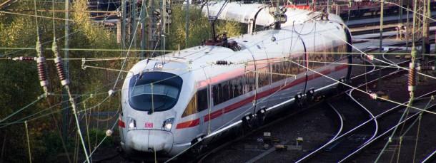 Ein Zug der Deutschen Bahn: Der Konzern liegt im Tarifstreit mit EVG und GDL.