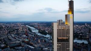 Commerzbank prüft Verkleinerung des Vorstandes