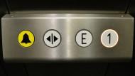 Horror im Fahrstuhl