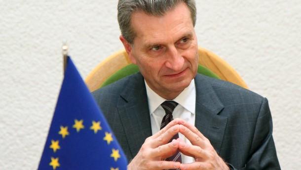 Oettinger kündigt Vorstoß der EU zu Fracking an