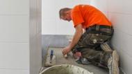 Handwerker haben meist Freude am praktischen Arbeiten - nicht so sehr an der Bürokratie.