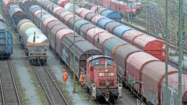 Die Logistikketten im Güterverkehr halten noch