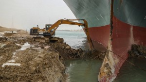 "Der ""schwarze Schwan"" im Suezkanal"