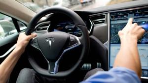 Tesla stellt neuen Chef für künstliche Intelligenz ein