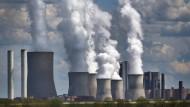 RWE kündigt mehr Schulden an