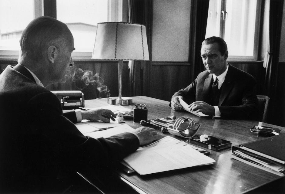 Berthold Beitz (rechts) im Gespräch mit Alfried Krupp von Bohlen und Halbach im Jahr 1957