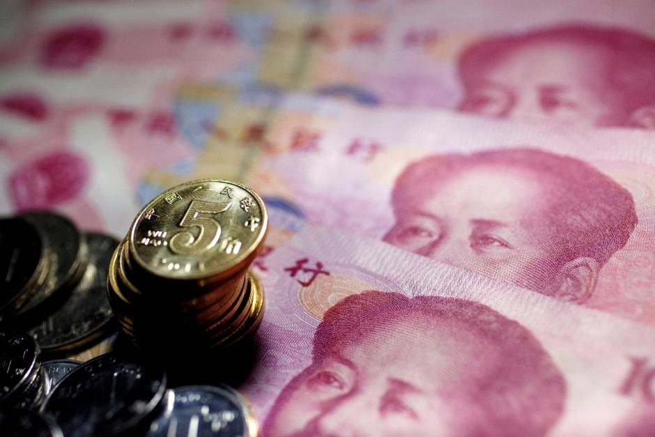 Bedeutung der Leitwährung und der Zusammenhang mit dem internationalen Handel, der Wirtschaft und dem Austausch von Währungen generell. Währungen - Börsenbegriffe Zusammenstellung von Börsenbegriffe zu den Währungen vom Leitzins bis zur harten Währung mit der Bedeutung der Definitionen. Währungsrechner.