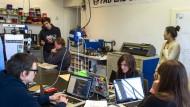 Gemeinsam kreativ sein: Das wollen nicht länger nur Nerds im Coworking-Space, sondern auch Ingenieure und Forscher