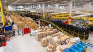 Alles da? Blick in ein Amazon-Logistikzentrum