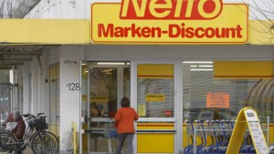 Strenge Auflagen für Fusion von Netto und Plus
