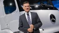Wolfgang Bernhard, hier auf der IAA im September 2016, verlässt den Daimler-Konzern mit sofortiger Wirkung. Die Nutzfahrzeugsparte braucht nun einen neuen Vorstand.
