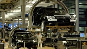 Deutsche Arbeitskosten steigen stärker als im Euroraum