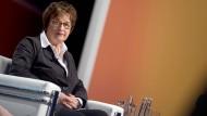 Eltern sollen in der Rentenversicherung besser gestellt werden, schlägt Wirtschaftsministerin Zypries vor.