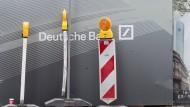 Deutsche Bank in Bedrängnis: Ändert sie ihr Geschäftsmodell in Amerika?