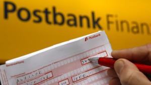 Postbank-Kunden könnten bald fürs Girokonto zahlen müssen