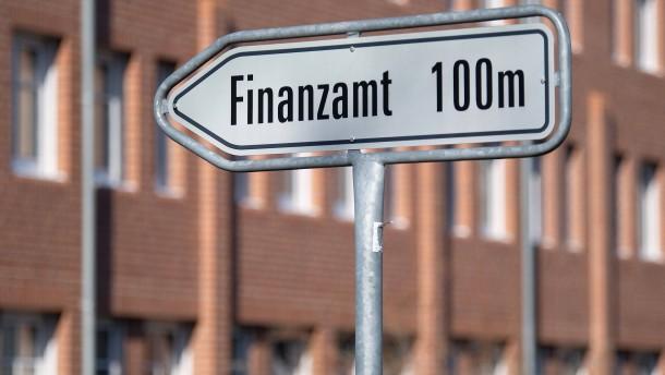 Das Gros der Deutschen würde Steuerbetrüger nicht melden