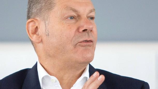 Finanzminister Scholz verteidigt den Mietendeckel