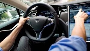 Tesla gegen BMW und Volkswagen