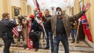 Unterstützer von Donald Trump am Mittwoch auf den Fluren des Capitols