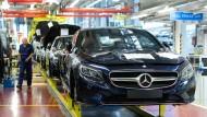 Produktion im Daimler-Werk in Sindelfingen: Was droht dem Luxuswagen-Hersteller nun?