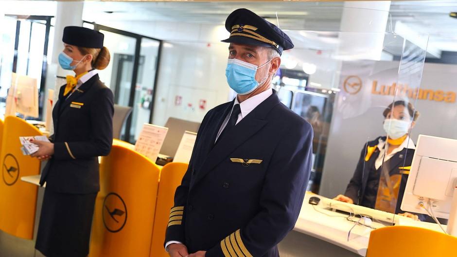 Fliegen mit Masken: Die neue Normalität auch bei Lufthansa