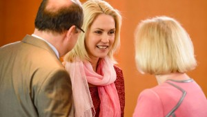 Kabinett billigt Mutterschutz für Studentinnen