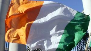 Schäuble verteidigt Hilfe für Irland