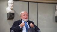 Hans-Werner Sinn, Ökonom und Vortragsreisender