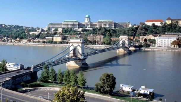 Ungarn zahlt IWF-Kredit vorzeitig zurück
