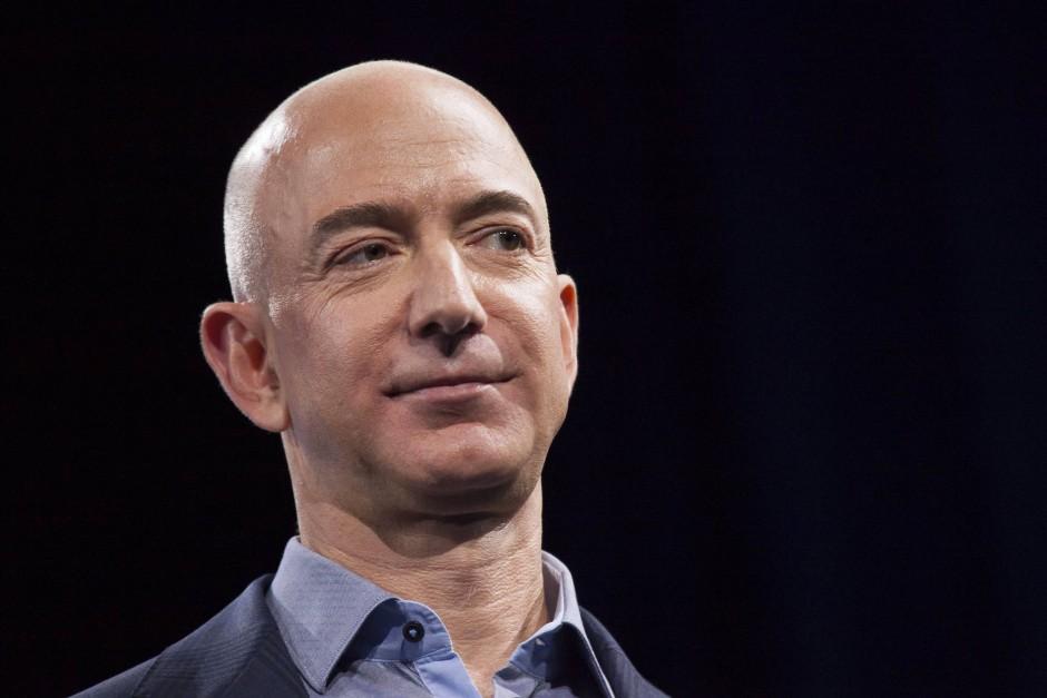 Auf 94 Milliarden Dollar schätzt der Finanzdienst Bloomberg das Vermögen des Amazon-Gründers Jeff Bezos.