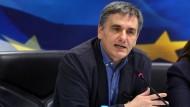 """""""Es gibt weißen Rauch"""", sagt Griechenlands Finanzminister Tsakalotos."""