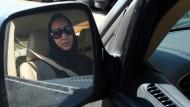 Frauen-Fahrverbot hilft Uber und Easy Taxi