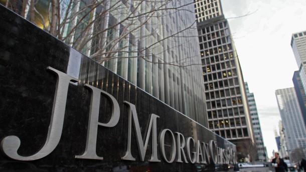 Großbank legt Geld wegen Ölrisiken zurück