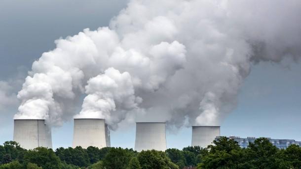 Kohlemeiler pusten tonnenweise Quecksilber in die Luft