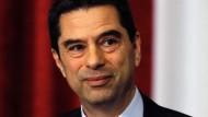 """Vitor Gaspar war lange Zeit der """"starke Mann"""" in der Lissabonner Mitte-Rechts-Regierung. Im Kampf gegen die Finanzkrise setzte der 52-Jährige eine Reihe von Einsparungen und Steuererhöhungen durch - und wurde damit in der Bevölkerung zum unbeliebtesten Minister der Regierung."""