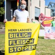 Protestaktion gegen Billigfleisch in Düsseldorf