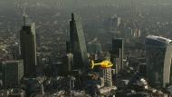 Banker bekommen Briefe per Hubschrauber