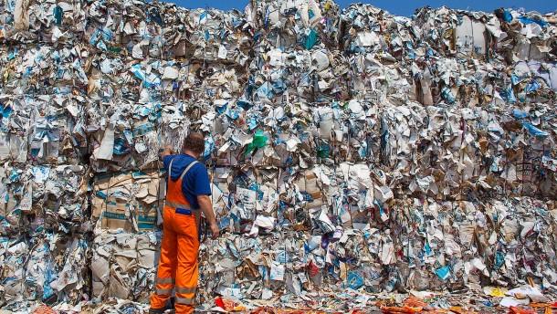Wenig Recyclingpapier in Schwerin