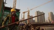 Im Umbau: Chinas Wirtschaft befindet sich inmitten einer gewaltigen Transformation. Das geht nicht ohne Turbulenzen ab.