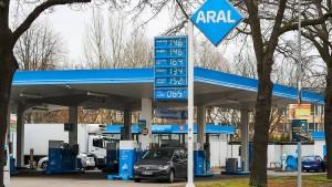 E10-Benzin kostet wieder weniger