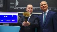 Innogy war der letzte große Börsengang 2016: Börsen-Chef Kengeter (rechts) mit dem Vorstandsvorsitzemden von Innogy, Peter Terium