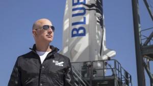 Warum Jeff Bezos Donald Trump ins Weltall schießen will