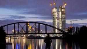 EZB prognostiziert Rezession für 2013 im Euroraum