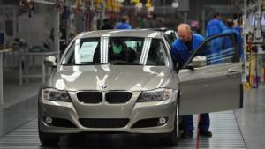 BMW steigert Gewinn - und warnt